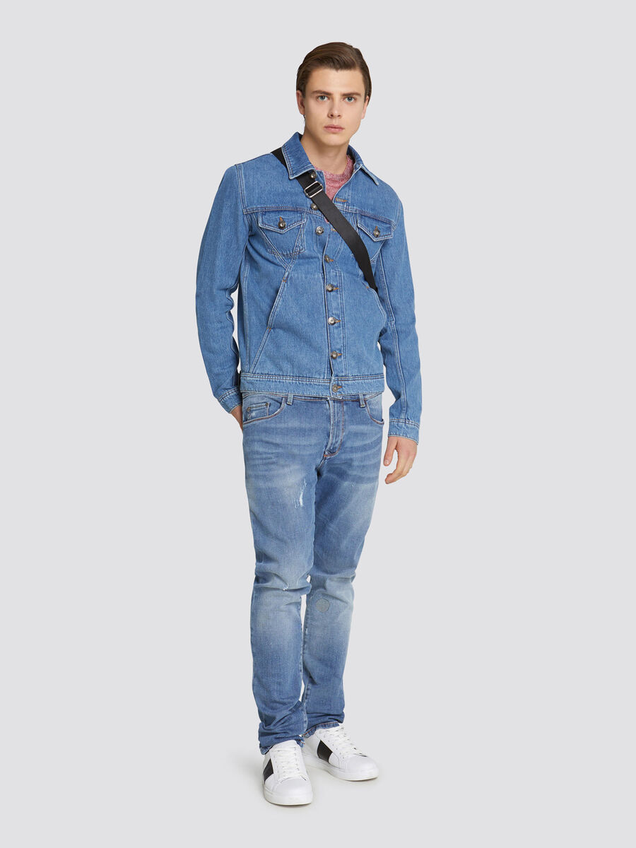 Giubbino regular fit in denim con patch sul retro