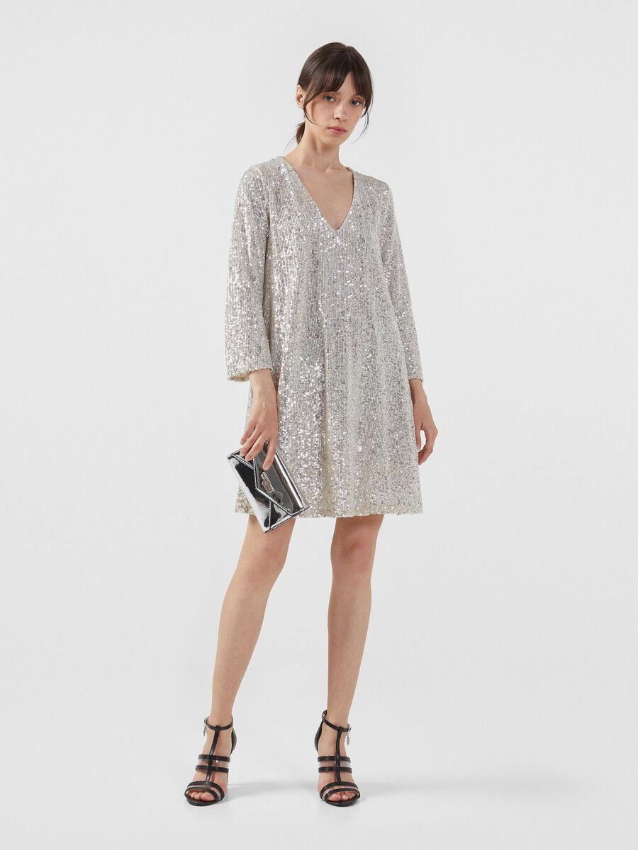 Short sequinned dress