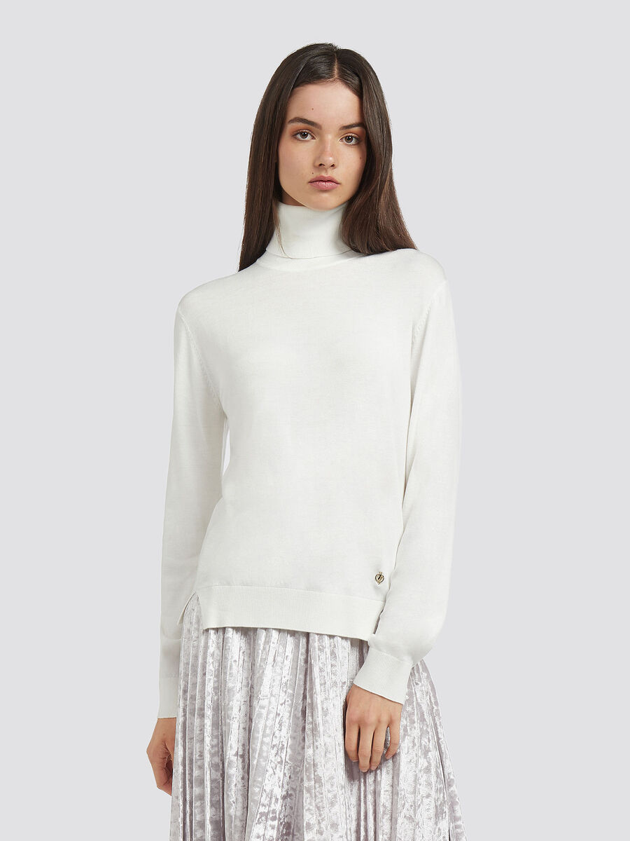 Stretch viscose polo neck with slits