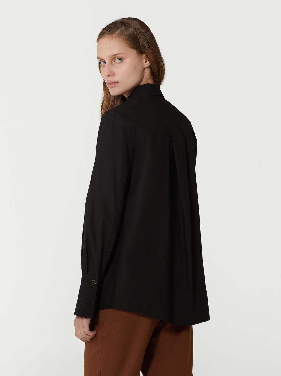 Camicia regular fit in popeline con foulard