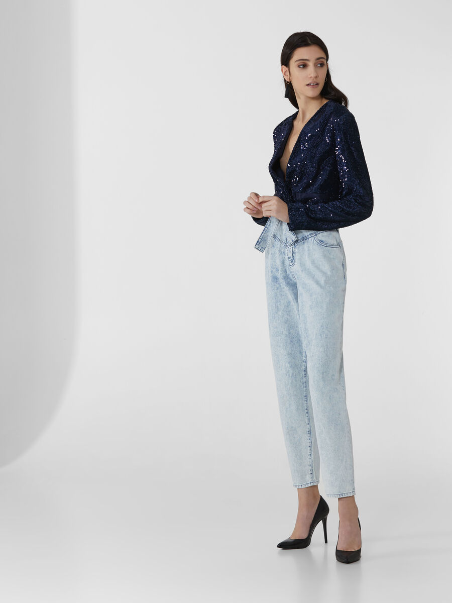 Cropped blazer with sequin embellishment