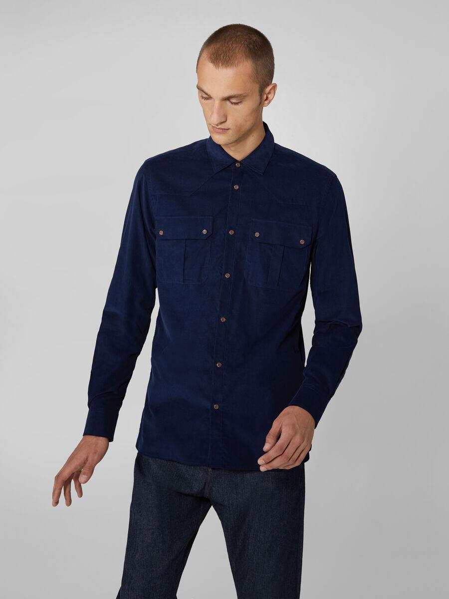 Camicia close fit in velluto con tasche