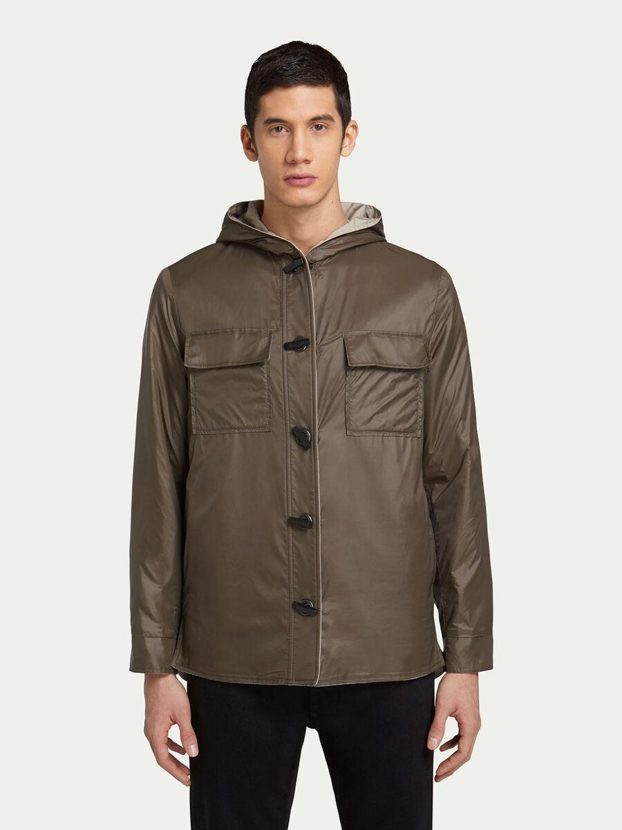 Zweifarbige Jacke mit Kapuze und Taschen