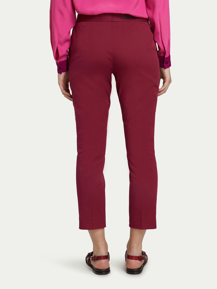 Pantaloni Capri regular fit in gabardine stretch