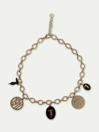Collar de cadena de metal con charm
