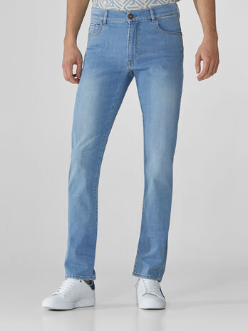 Jeans 380 Icon aus hellblauem Cross Caroline-Denim