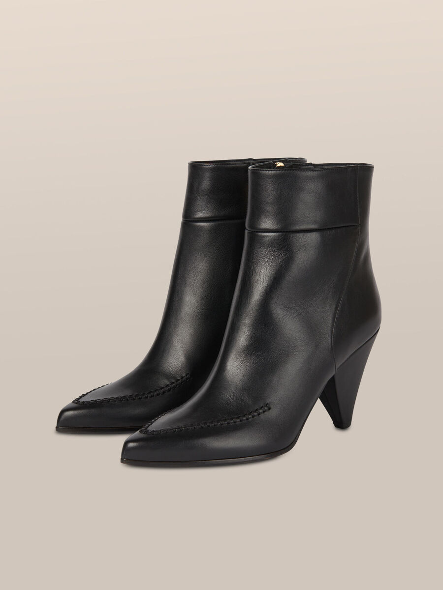 Ankle boot in pelle con tacco a cono