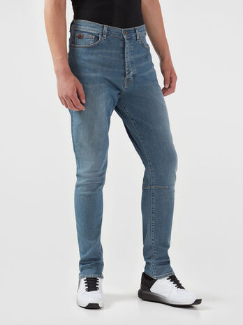 Carrot fit jeans in light blue Dave denim