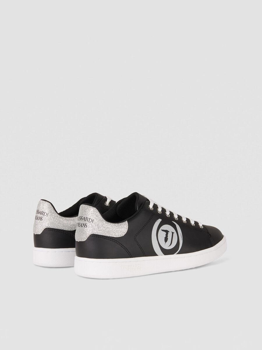 Sneakers en similicuir a logo paillete