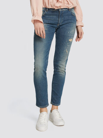 Seasonal girlfriend jeans with micro abrasions