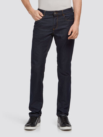Solid colour stonewashed jeans with stitched detailing