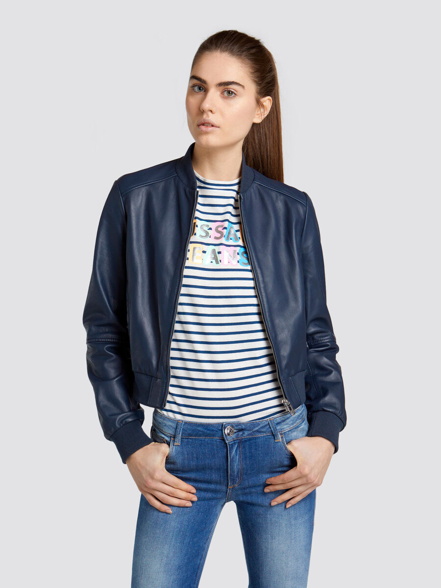 23364305f Regular fit bomber jacket in solid colour leather