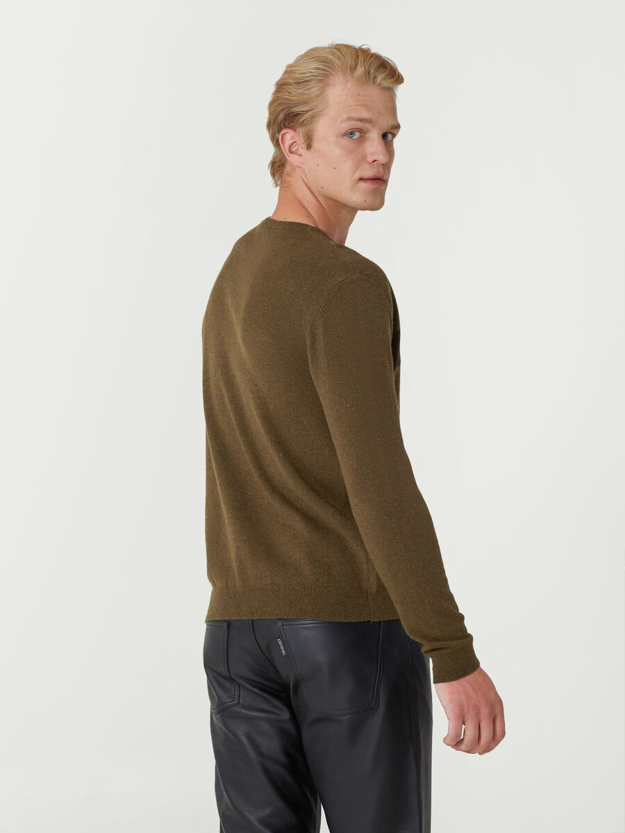 Crew neck pullover in soft wool blend jacquard