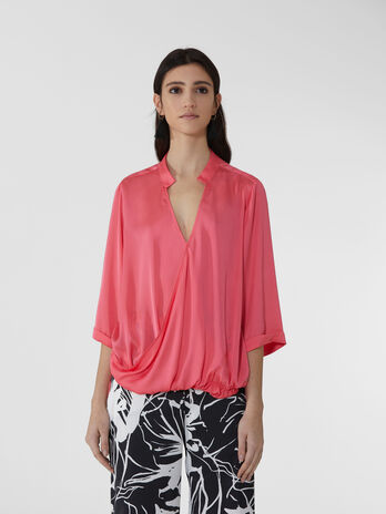 Blusa over in light satin