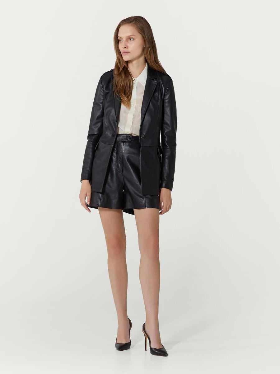 Shorts im Regular Fit aus Leder