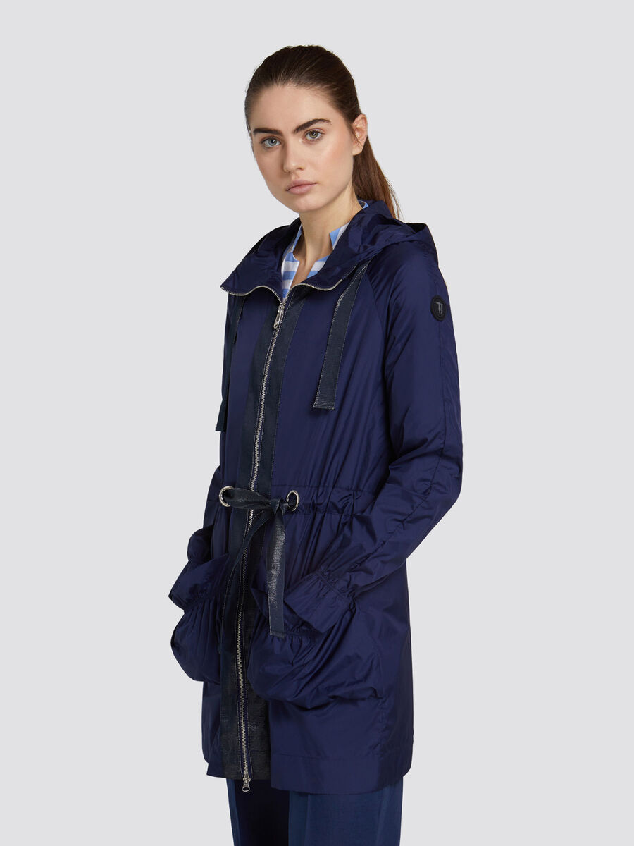 Parka regular fit con cappuccio in nylon con bande