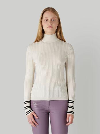 Pullover slim fit in mista lana con collo alto