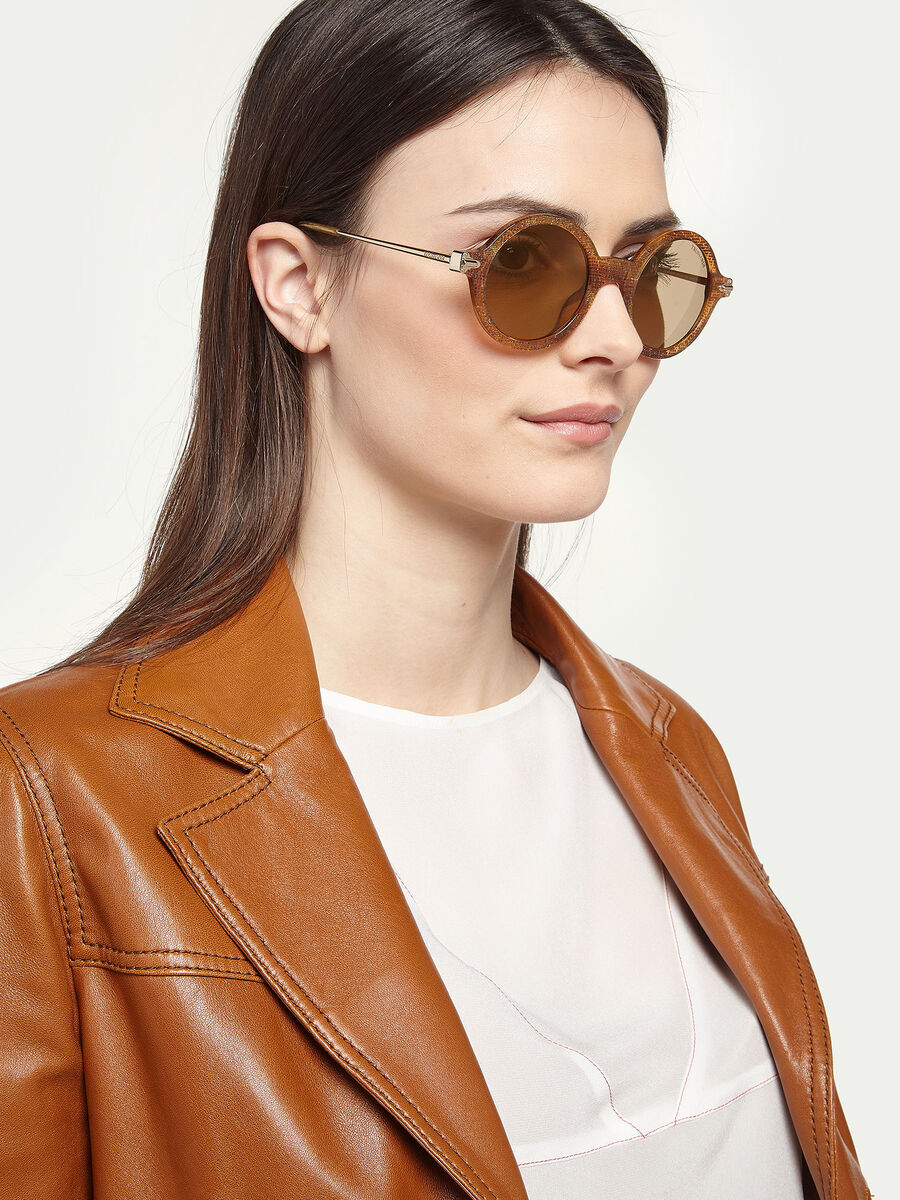Round sunglasses with pearly-effect