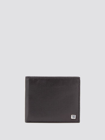 Grainy side opening wallet with contrasting interior