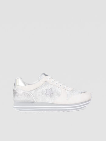 Sneakers with platform and star logo