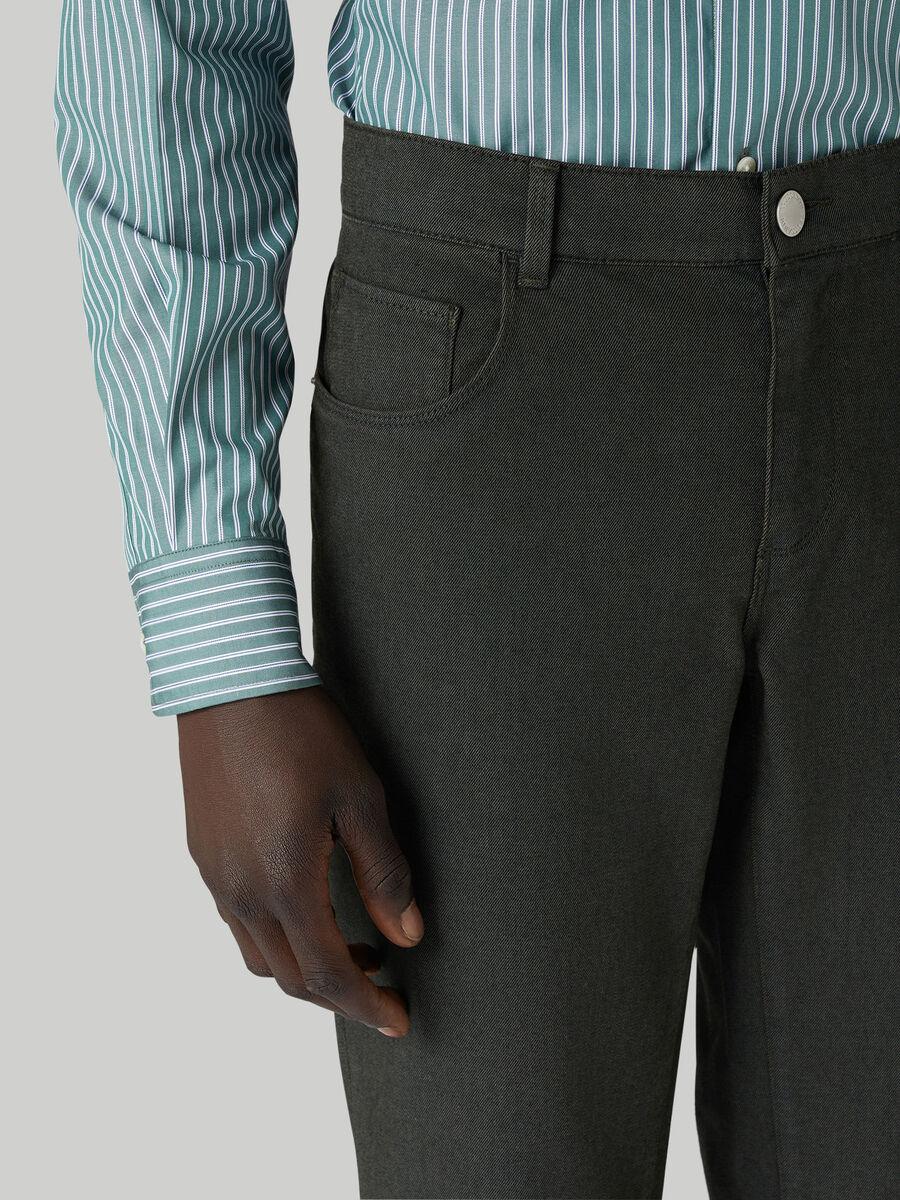 Close 370 trousers in cotton gabardine
