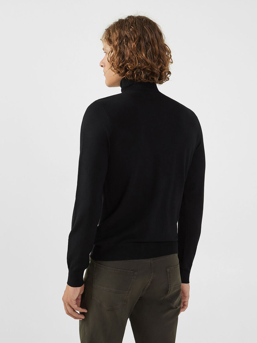 Solid colour viscose blend polo neck pullover