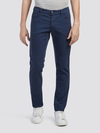 Solid colour close fit jeans