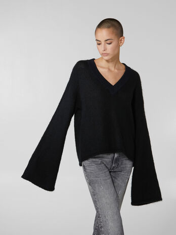 Wool and mohair V neck pullover