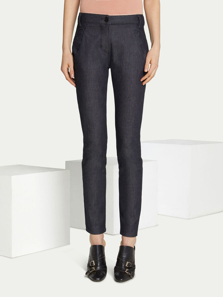 Jeans regular fit in denim tinta unita con patch