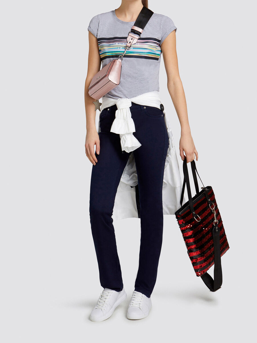 Jeans 130 Classic Seasonal aus stueckgefaerbtem Denim
