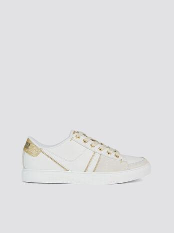 4144a719a65a Sneakers in similpelle con dettagli glitter e lacci
