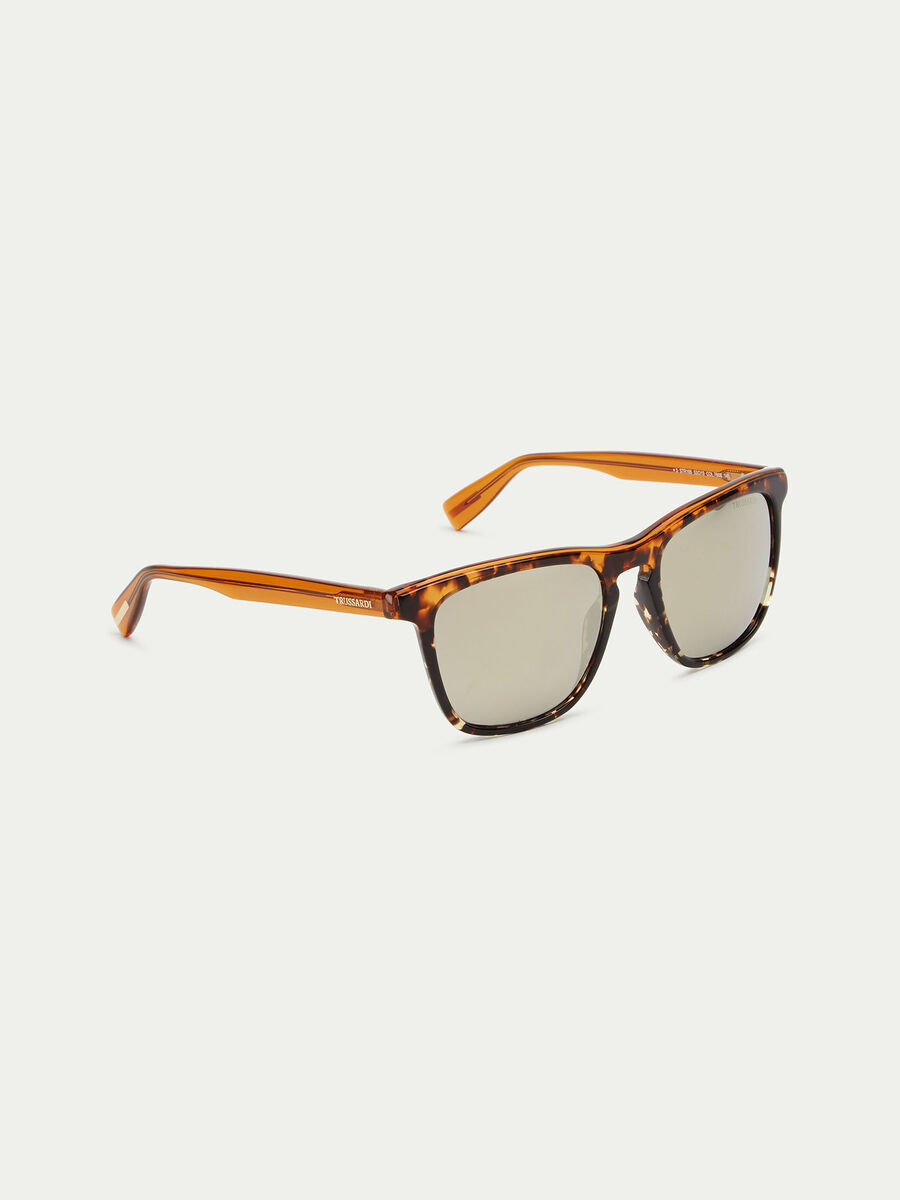 Thick-framed tortoiseshell sunglasses