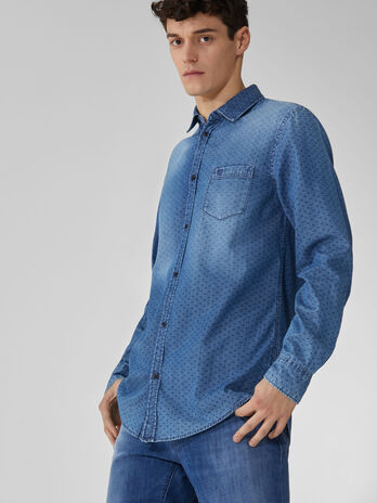 Camisa de denim estampada