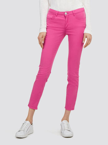 Cropped solid colour jeans