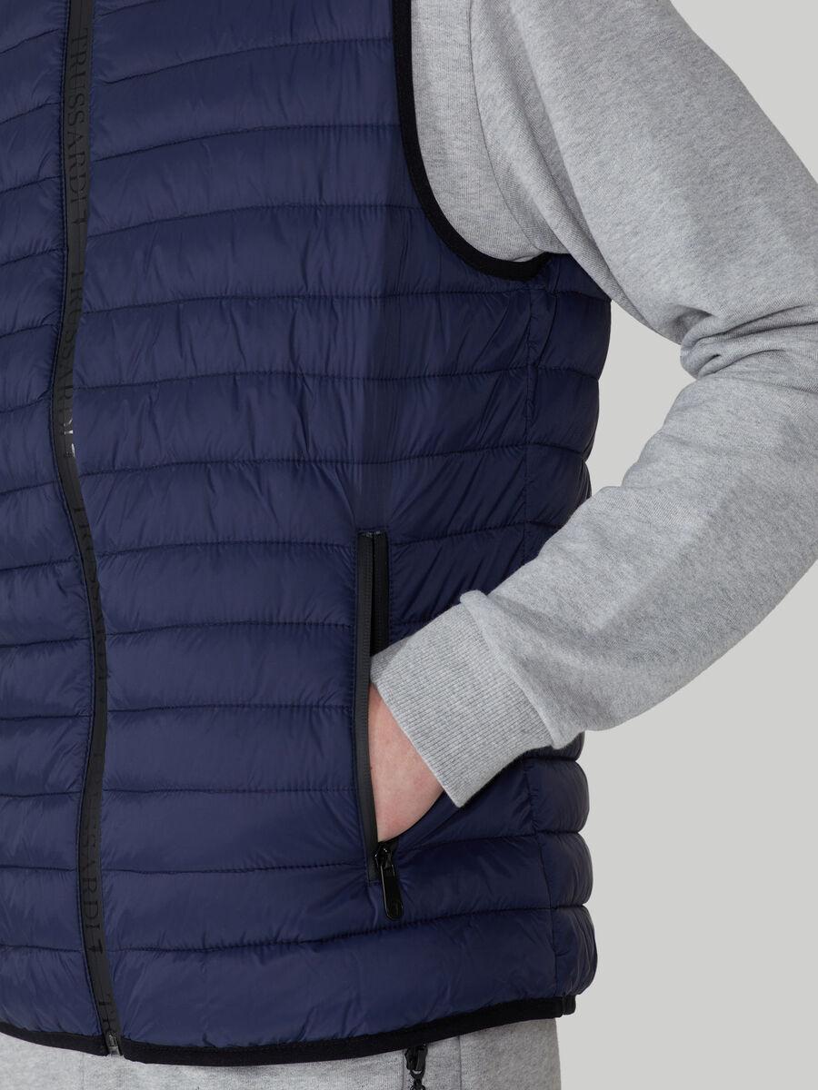 Gilet in nylon light trapuntato con zip