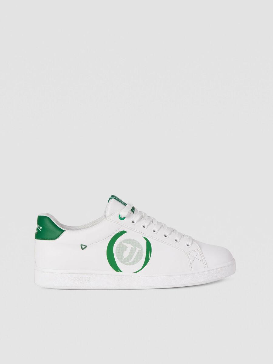 Sneaker low top con logo a contrasto