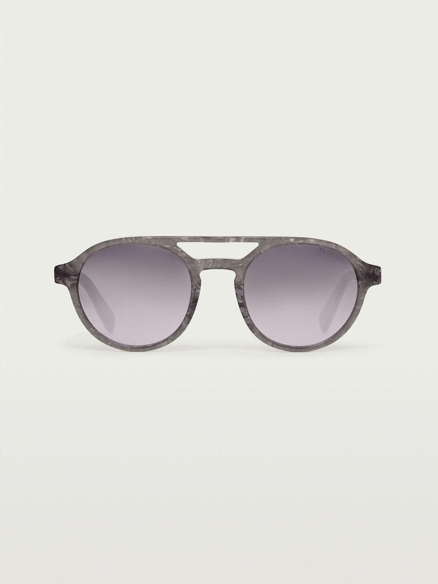 Flieger Sonnenbrille mit rauchgrauen Glaesern