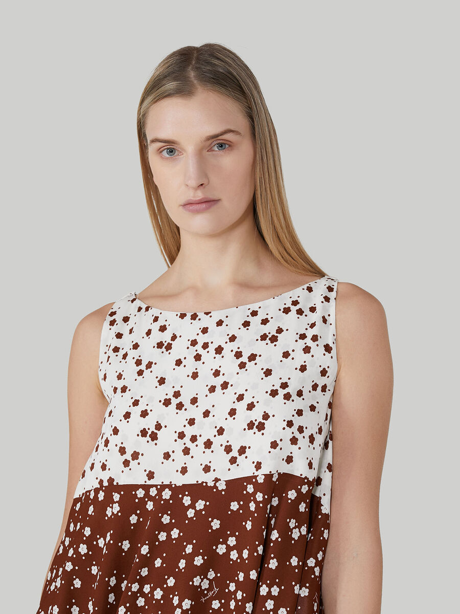 Printed sleeveless blouse in viscose crepe