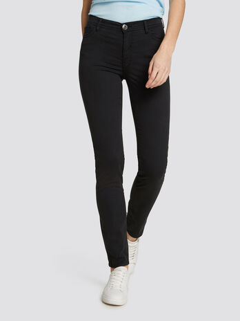 Skinny Seasonal 105 jeans in garment dyed fabric