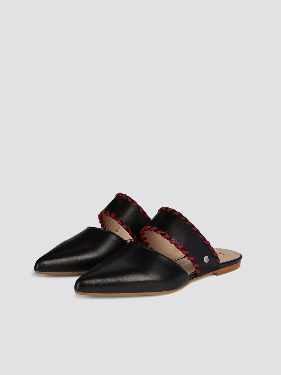 Flat pointed mules in faux leather contrasting trims
