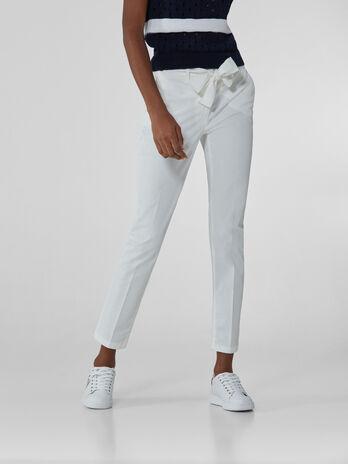 Pantalones 260 Chinos de gabardina