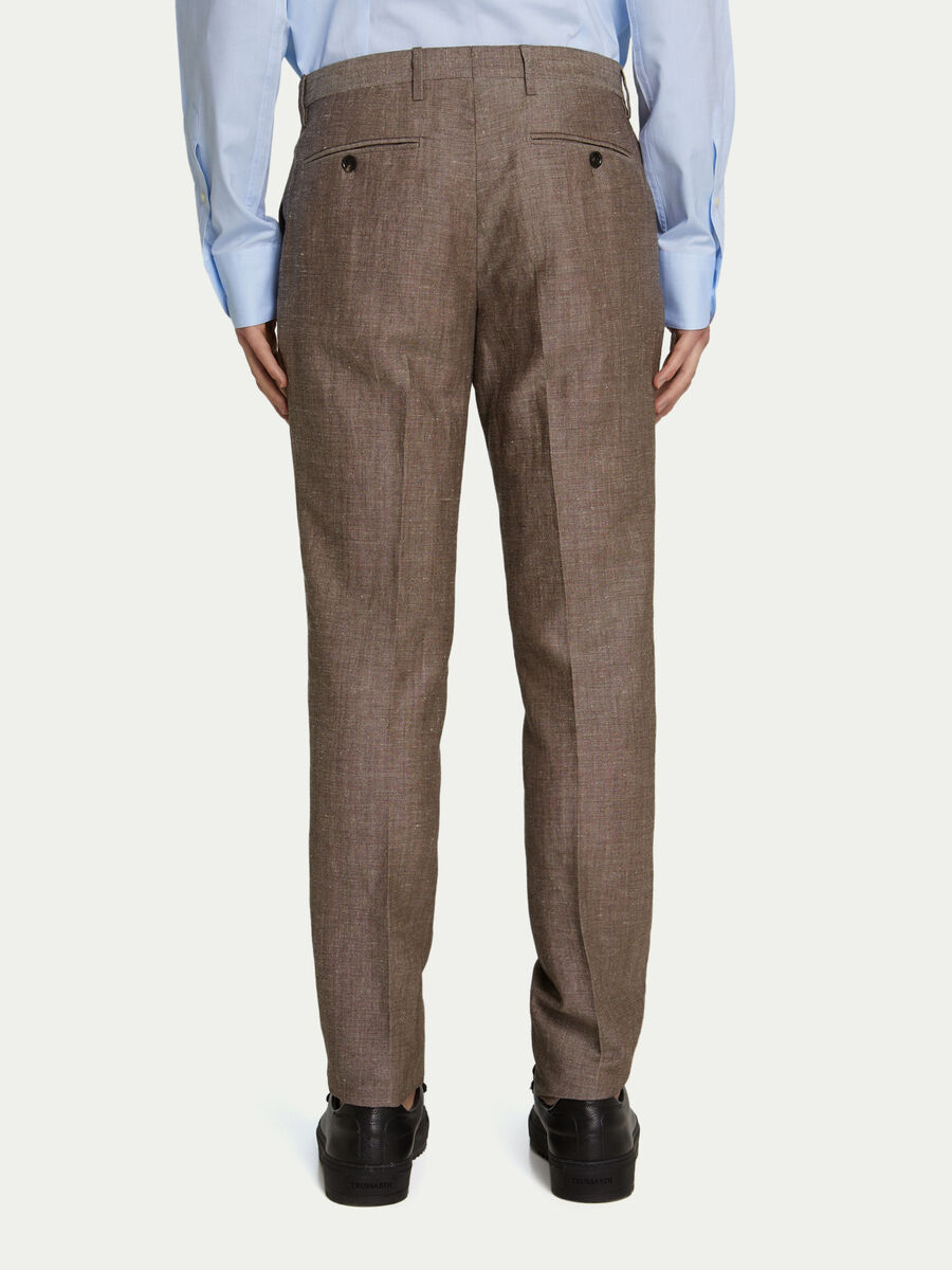 Einfarbige Business Hose mit Guertelschlaufen