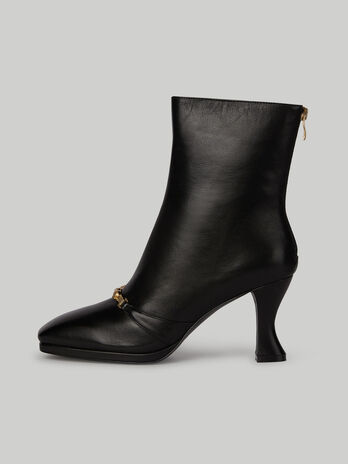 Leather ankle boots with horsebit detail