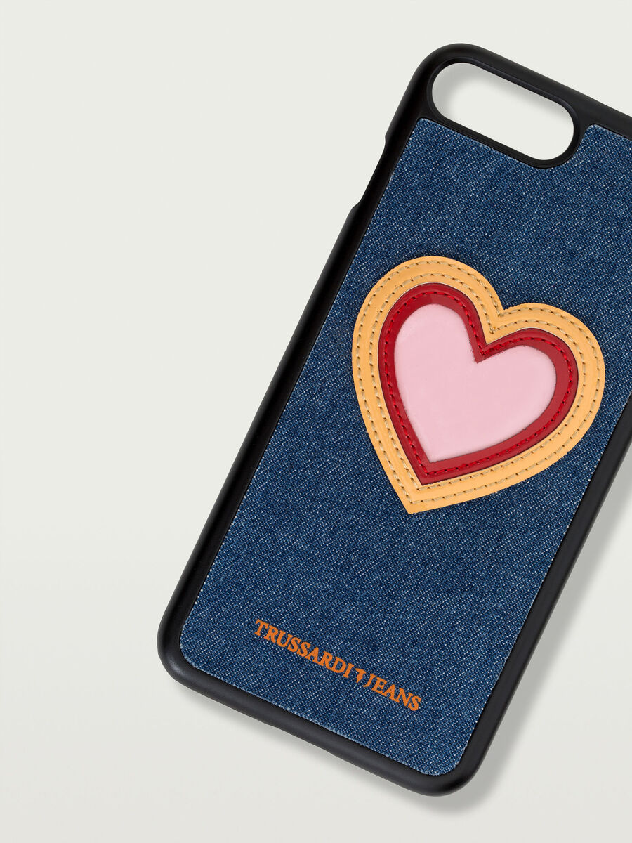 iPhone 7 Plus hard case with heart patch