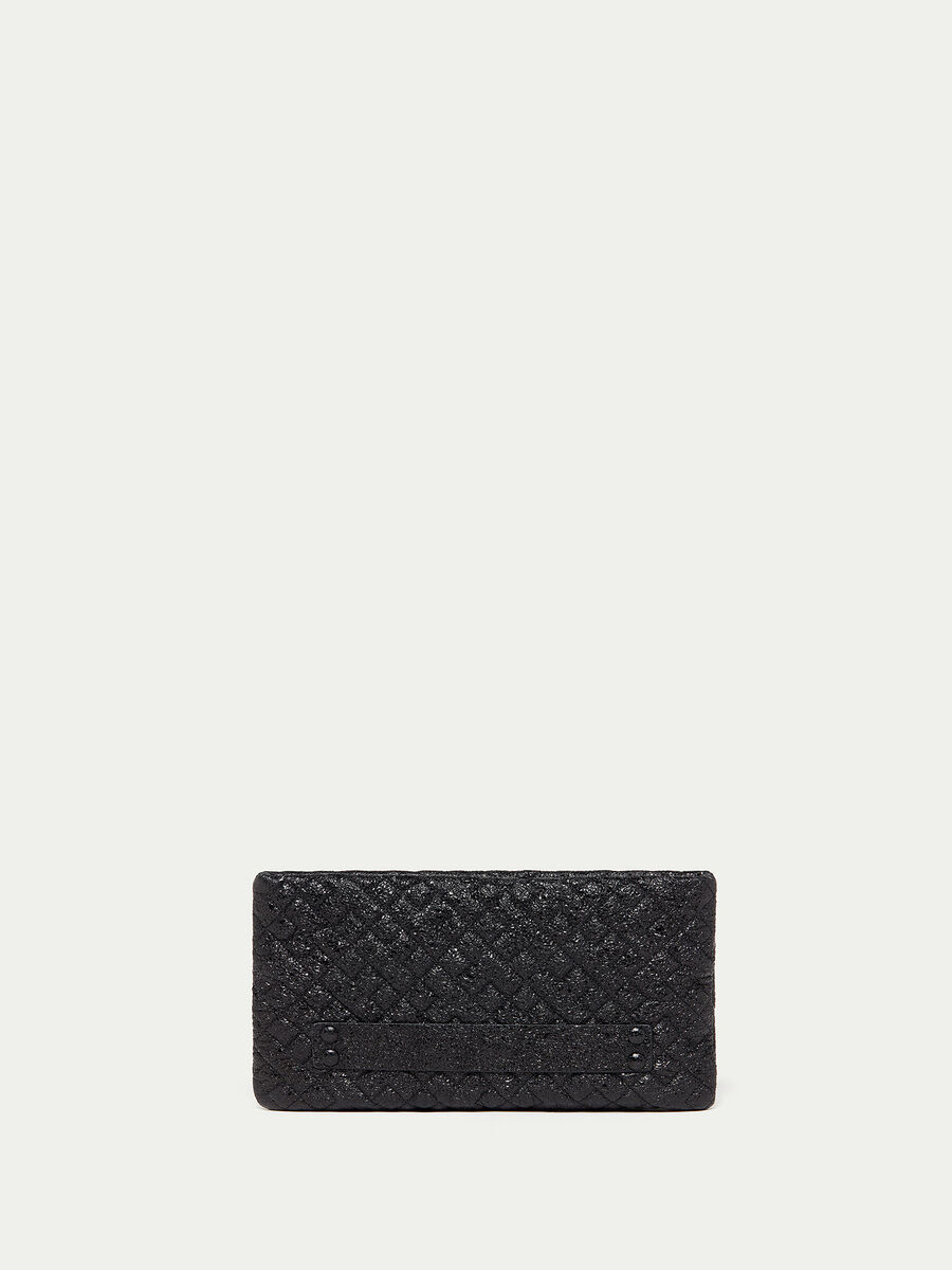 Envelope in quilted laminated leather