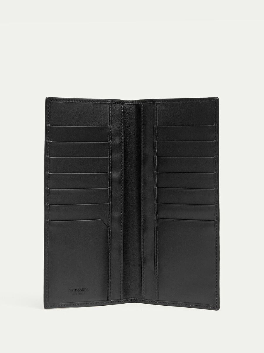 Vertical leather wallet with embossed detailing