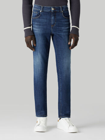 Close 370 jeans in Cross denim