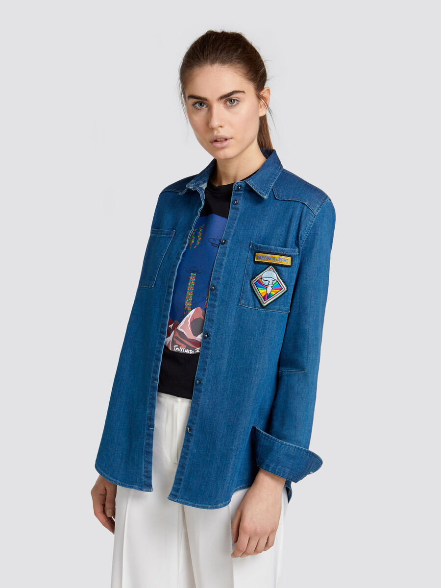 Seasonal denim shirt with patch embroidery