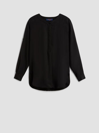 Fluid lyocell crew neck blouse