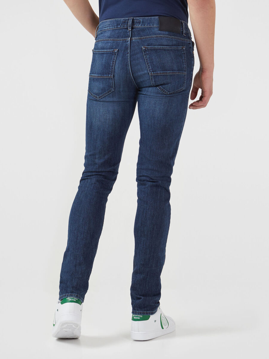 Close 370 jeans in blue stretch denim